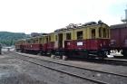 ET 188 521 sowie einen Zug der Schleiz-Saalburger Kleinbahn werden im Regelspurteil des Bf Hainsberg ausgestellt. Sie sind Gäste dea Eisenbahnmuseum Dresden von der Zwickauer Str.